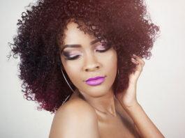 średnie fryzury damskie